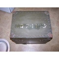Caixa datada 1952 com jogo para café usado por oficiais do exército americano