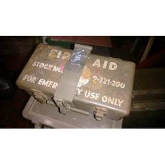 Caixa primeiros socorros para jeep MB/GPW Acompanha suporte!